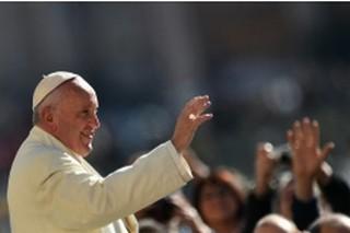 La France doit devenir un Etat plus laïc,dit le PapeFrançois