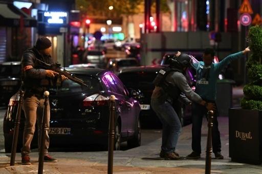 France:Fusillade et panique sur lesChamps-Elysées