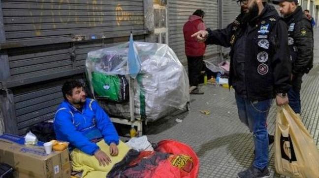 SDF dans la rue de Buenos Aires