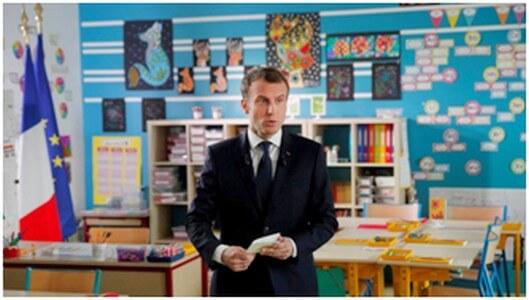 Macron retourne à l'école.jpg