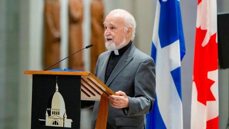 Montréal: Un prêtre poignardé en pleinemesse!