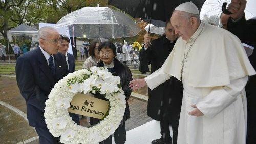Le Pape François à Nagasaki memorial