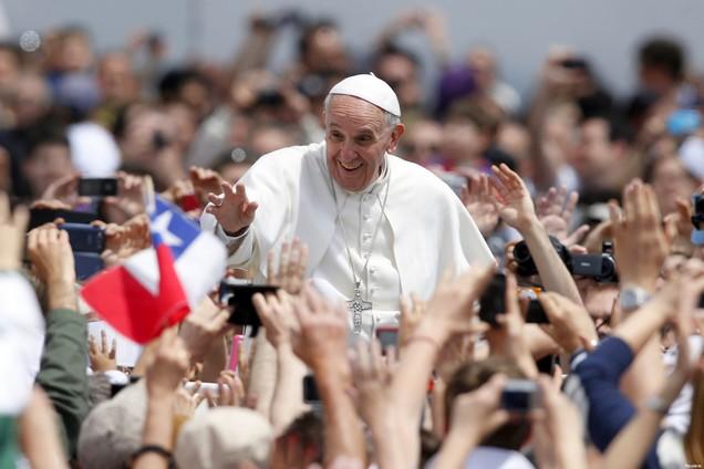 Exhortation apostolique du Pape François aux jeunes: «Christus Vivit»; il vit,leChrist.