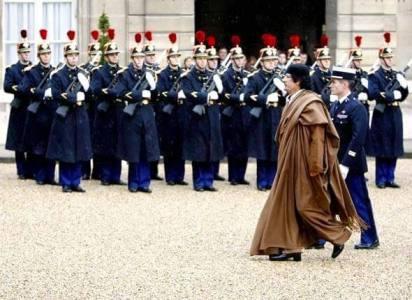 Visite de Kadhafi à Paris.jpg