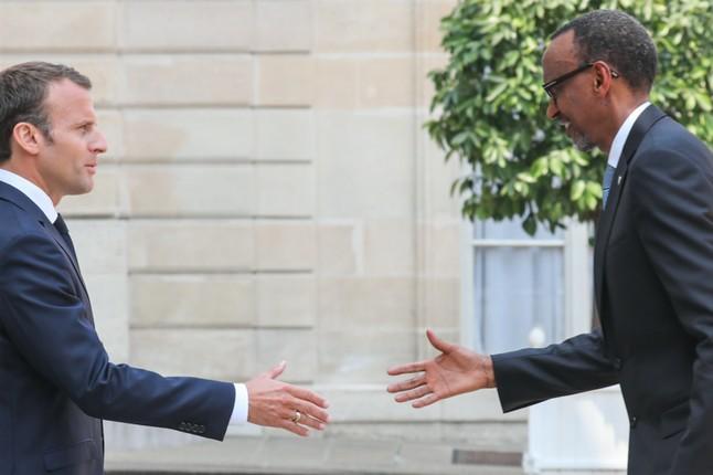 France-Rwanda: 25 ièmes Commémorations du Génocide,E. Macron attend un moment depardon