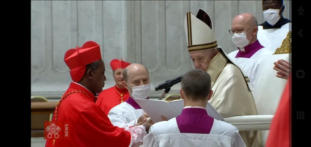 Le Cardinal KAMBANDA confondu avec celui deWashington!