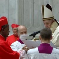 Le Cardinal KAMBANDA confondu avec celui de Washington!
