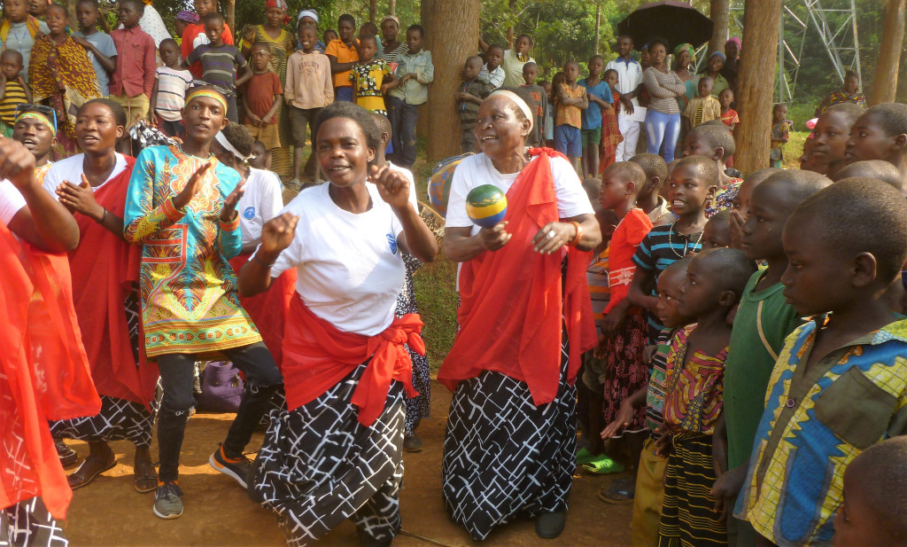 Accueil bousculant du peuple Rwandais!
