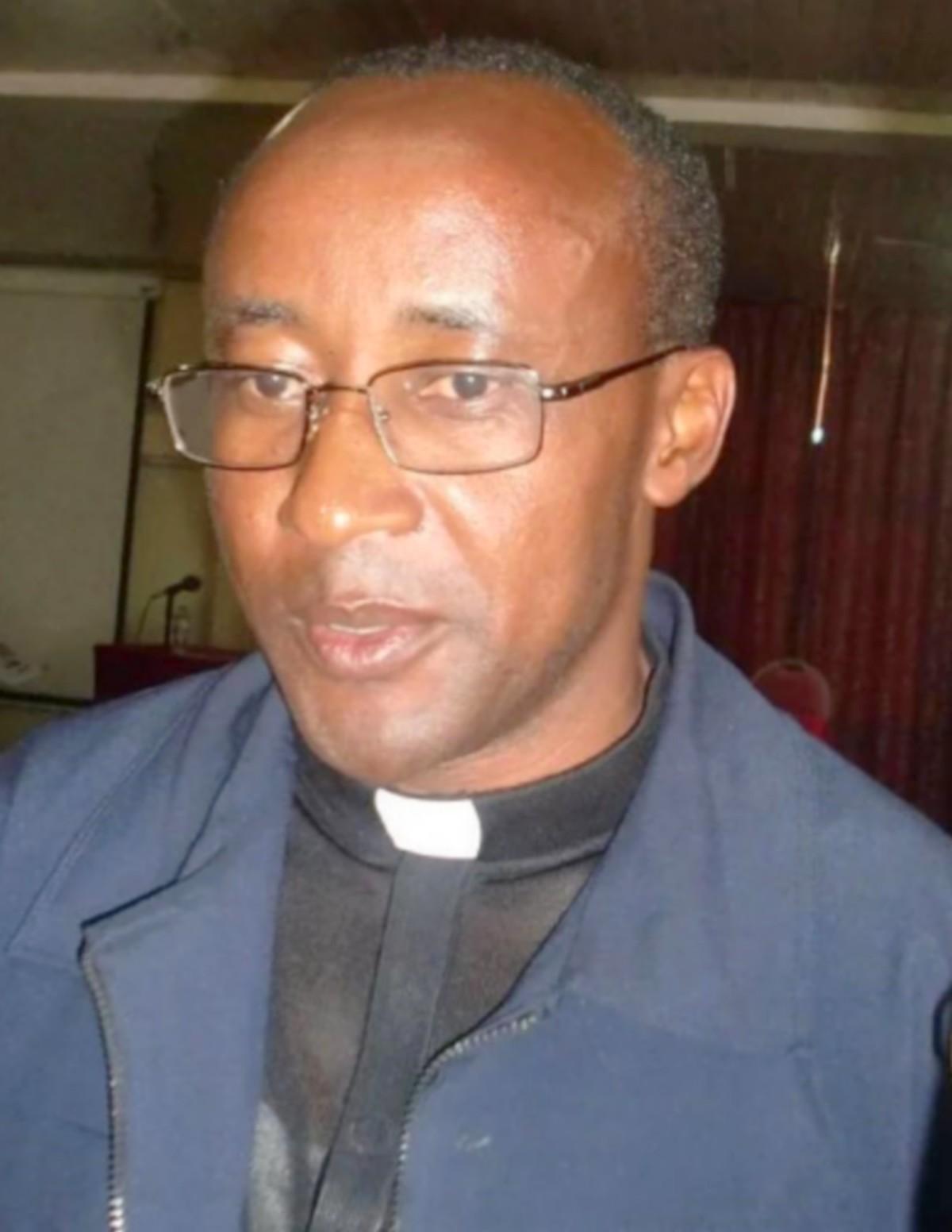 Le diocèse de CYANGUGU a son nouvel évêque: Mgr EdouardSINAYOBYE