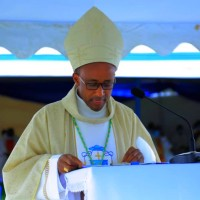 CYANGUGU: Ni iki Mgr Edouard SINAYOBYE azaniye abo mu KINYAGA?