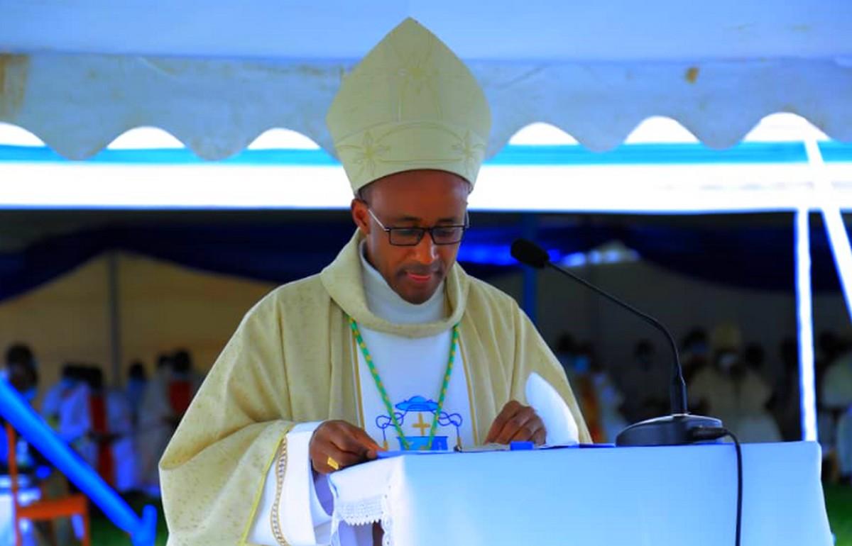 CYANGUGU: Ni iki Mgr Edouard SINAYOBYE azaniye abo muKINYAGA?