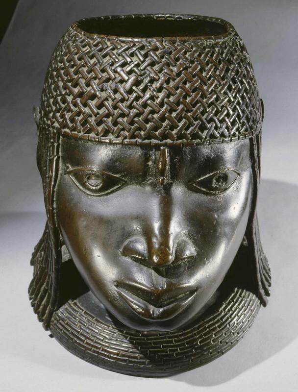 Tête d'OBA(roi)du Bénin, cachée en Ecosse